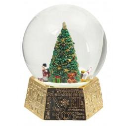 Boule de neige sapin de Noël et cadeaux, socle doré