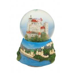 Le château fort de Salzbourg dans une boule de neige