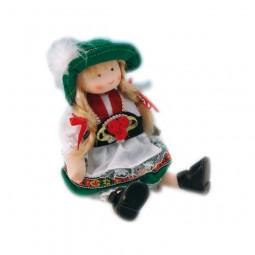 Poupée fille en costume folkorique