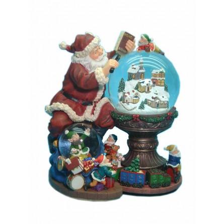 Père Noël consultant son agenda